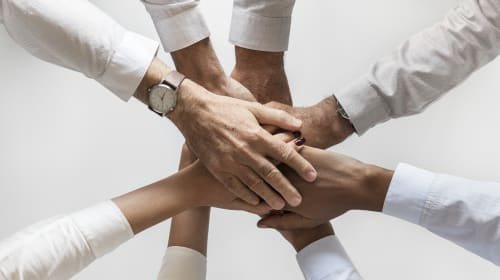 3 of the Most Effective Team Building Activities for Sales Negotiations