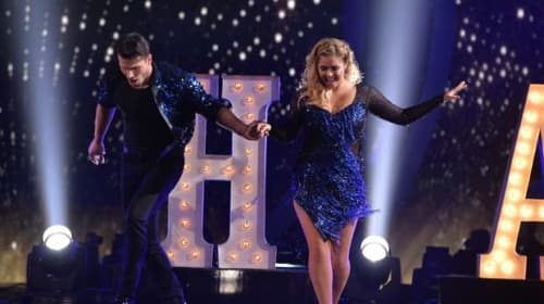 'Pretty Little Liars' Star Sasha Pieterse Is Bringing Attention To A Women's Health Issue On 'Dancing With The Stars'
