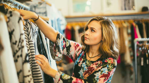 How to Shop For Clothing (When You Have Body Dysmorphia)