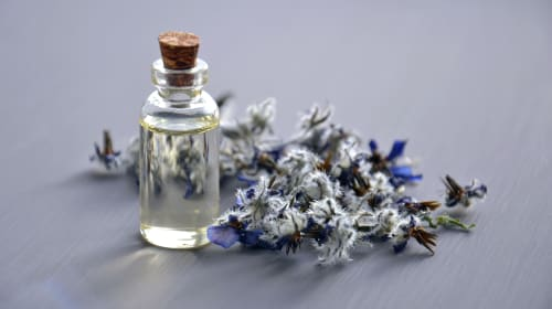 6 Ways Essential Oils Can Improve Your Life