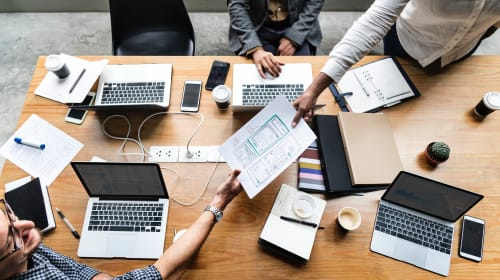 Social Media Use in the Workplace—4 Do's and 4 Don'ts