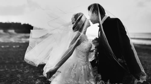 10 New Wedding Traditions You Can Try Out