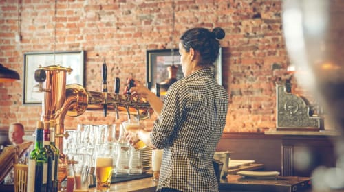 10 Things You Need to Know Before Becoming a Bartender