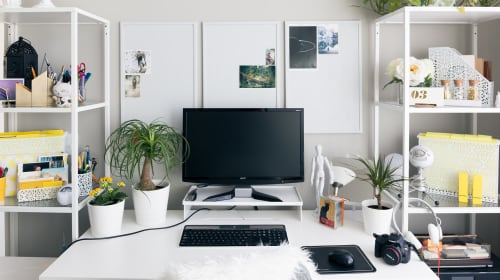 12 Top Rated Desk Accessories on Amazon