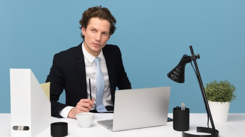 10 Signs You're the Boss Everyone Hates
