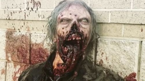 'The Walking Dead' Wants Some Tongue Action With Season Finale Tribute Zombie