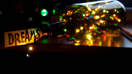 Tips on Throwing a New Year's Eve Party!