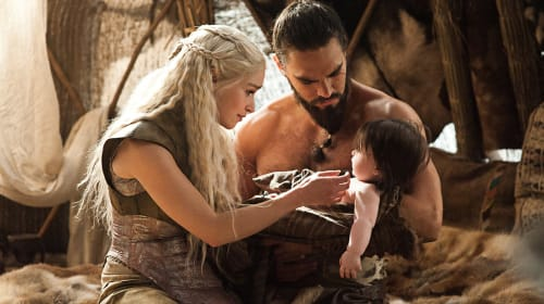 Tales Of Dunk And Preg: Theory Suggests Daenerys Will Have Jon's Baby On 'Game Of Thrones'