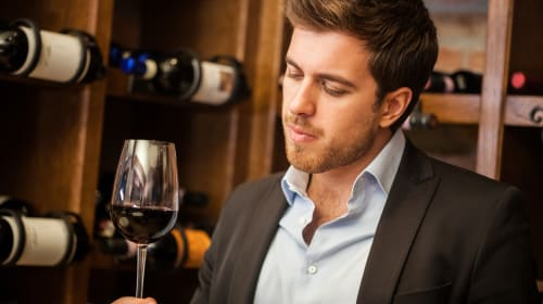 How To Look Like a Sommelier While Tasting Wine