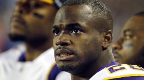 Adrian Peterson Is Taking His Time, but Will New England Wait for Him?
