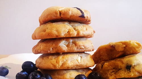 White Chocolate and Blueberry Cookies