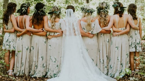 Gorgeous & Affordable Bridesmaids Dresses Your Friends Will Love to Wear in 2018