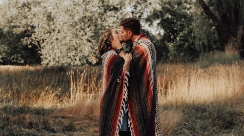 How to Have the Most Romantic Fall Fling Ever
