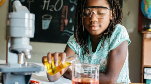 10 Toys That Encourage Girls to Be in STEM