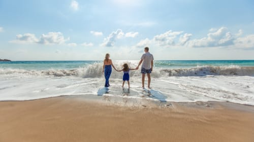 How to Pull Off a Tech-Free Family Vacation the Whole Family Can Enjoy