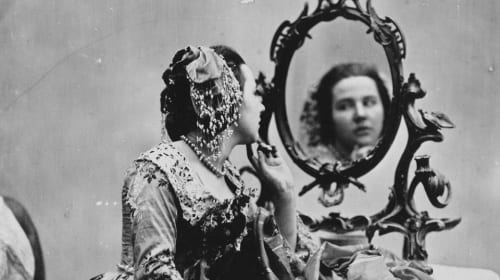 Weird Victorian Beauty Trends That Were Sometimes Fatal