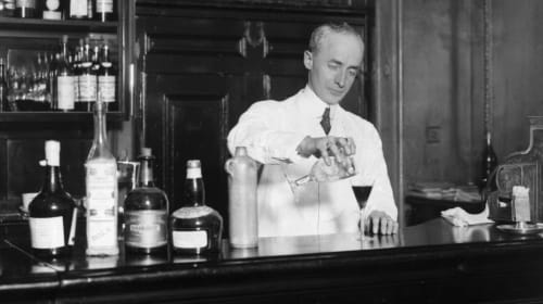 10 Oldest Cocktails in History