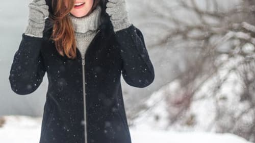 How to Choose Perfect Clothing Outfits for Freezing Cold Temperatures