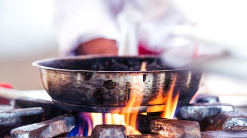 Hacks To Revive A Burnt Pan