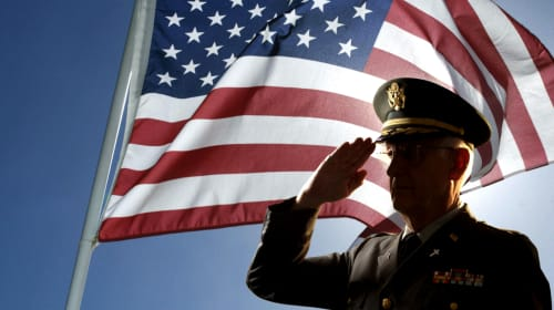 10 Ways You Can Honor a Veteran
