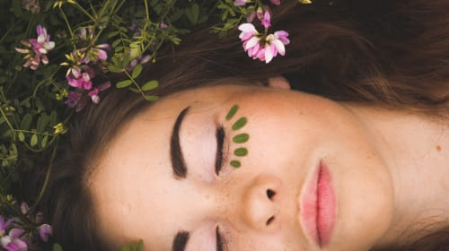 4 Easy Meditations to Raise Your Vibrations