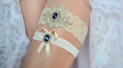The 10 Best Wedding Garter Sets