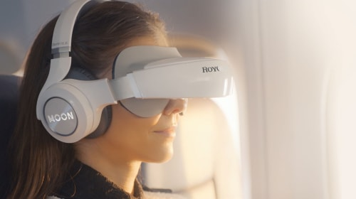 Get an Immersive Movie Experience with Royole Moon 3D Mobile Theater