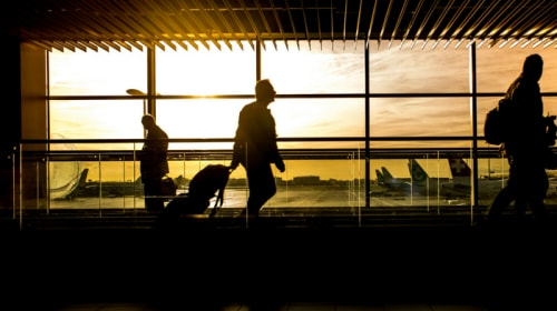25 Safety Tips for Traveling
