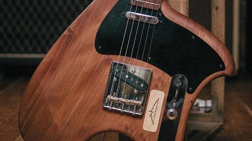5 Reasons to Start Playing an Ergonomic Guitar