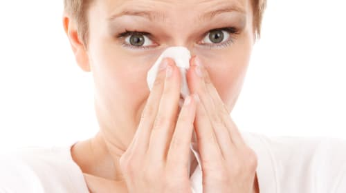 10 Ways to Beat Dust and Pollen Allergies