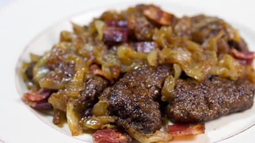 Best Liver and Onions with Bacon and Australian Wine