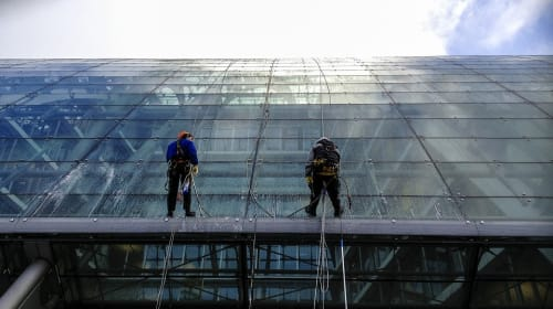 5 Amazing Window Cleaning Hacks That Are a Total Saviour!