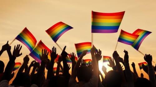 3 Ways to Find Lesbian Friends