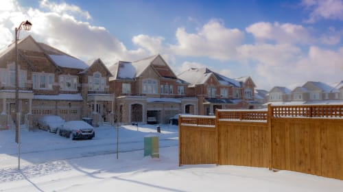 7 Helpful DIY Tips for Selling Your Home During the Winter