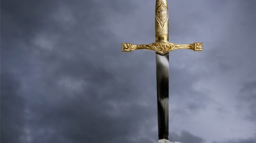 "8 Unmissable Legends of the Magnificent ""Sword"""