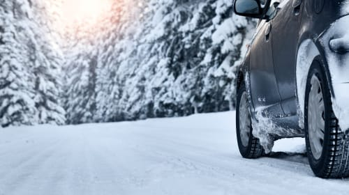 10 Tools That Will Help You Drive Safer in Snow