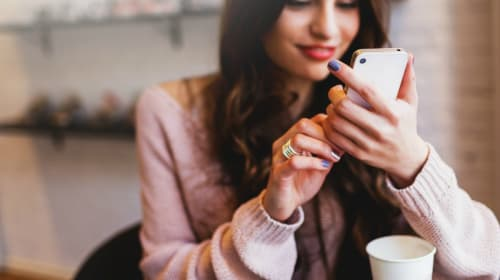 Great Apps Every Woman Should Have on Their Phone