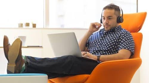 Beating Employee Stress: 6 Ways Music Can Enhance Employee Well-Being