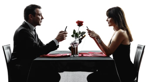 How Cell Phones Have Destroyed  Relationships and How to Fix Them