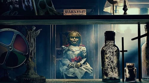 Top 5 Funniest Cursed Items in 'Annabelle Comes Home'