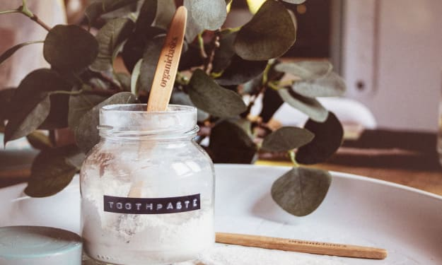 How To Make Your Own Natural Toothpaste In Times Of Desperate Need. (Vegan)