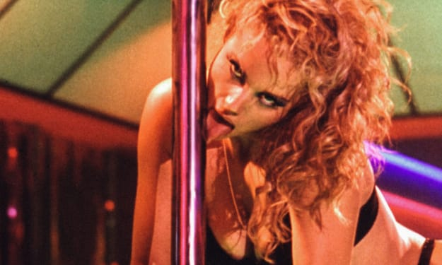 Showgirls' Elizabeth Berkley