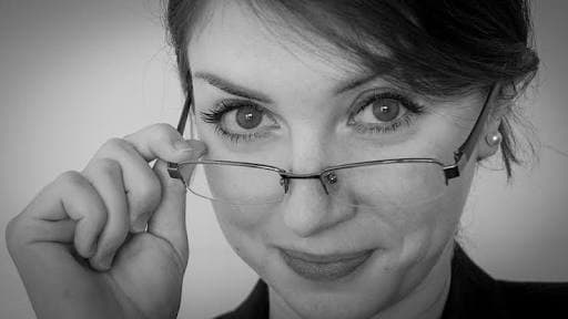 10 Reasons That Make Women With Spectacles Super Desirable