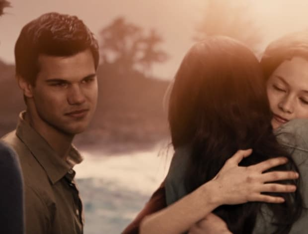 'Twilight' Fans Are United In Wanting A Jacob And Renesmee ...