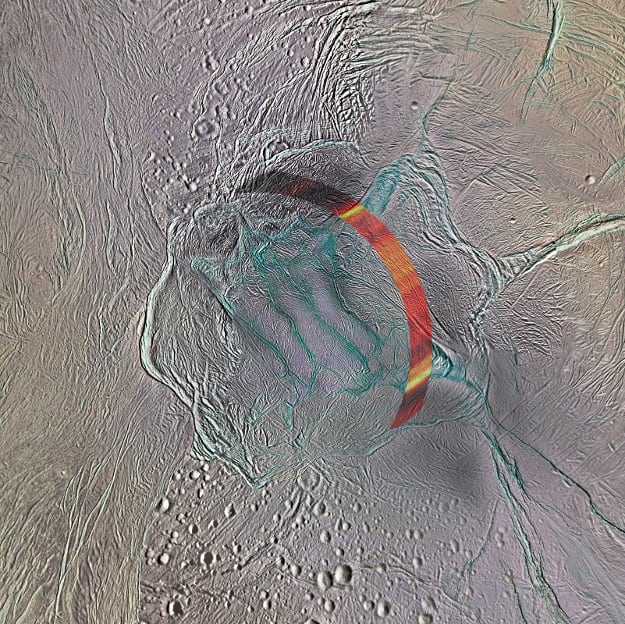 The tiger stripes at Enceladus' south pole. The colored region is the area targeted by the new study. Image by NASA/JPL-Caltech/Space Science Institute