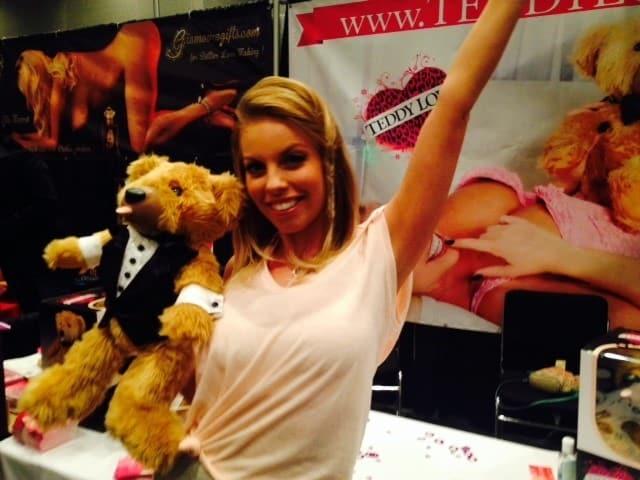 Teddy Love Makes Everyone Happy