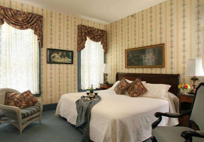 The Lafayette Inn - Easton, PA