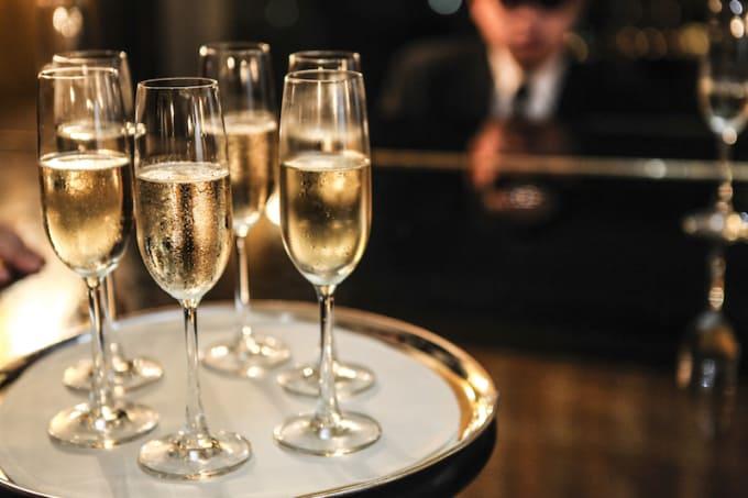 Champagne: 90 - 100 Calories (Per 4 Ounces)