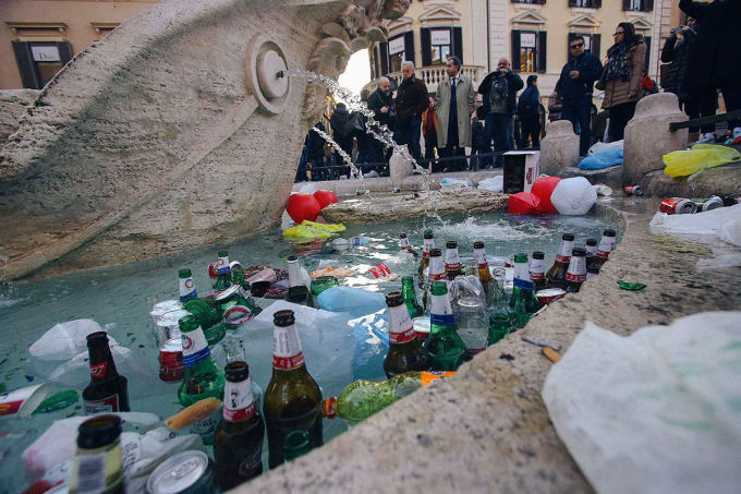 Italy - Illegal to Drink in Public in Rome... in Groups of Three or More