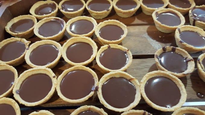 Beer tarts waiting for chocolate caviar